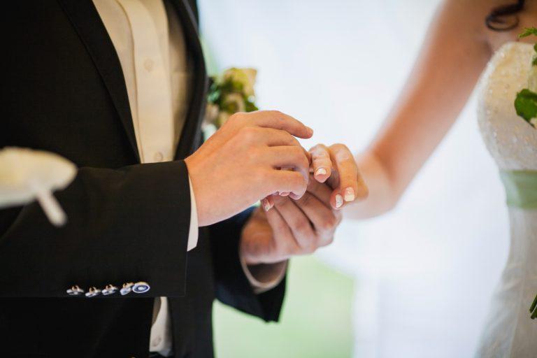 シンガポール 結婚前調査